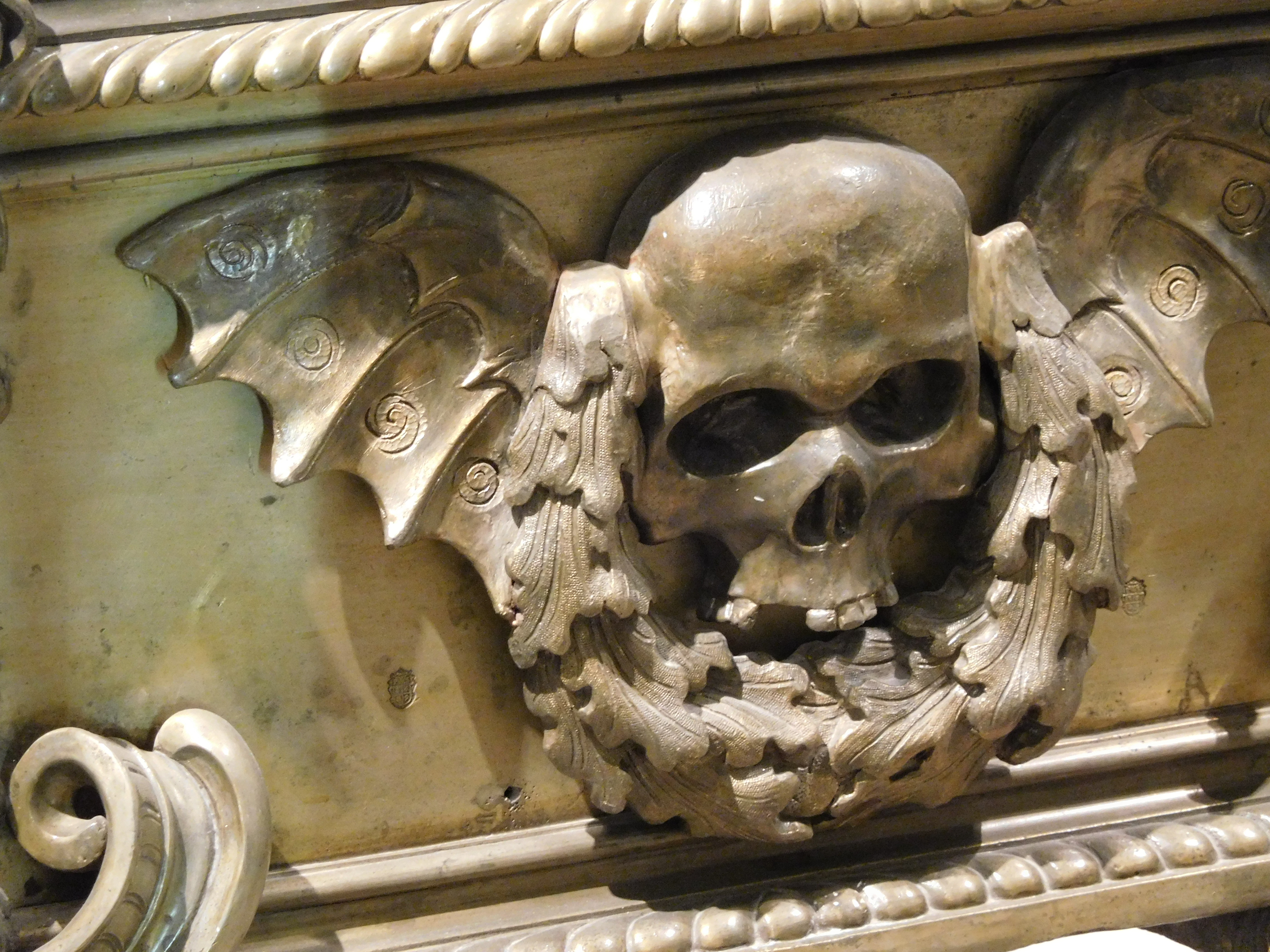 Empire and skull symbols total war forums especially the habsburg dynasty developed a liking for maccabre skull herraldry and grim reaper depictions could be found all over vienna after the city biocorpaavc Images